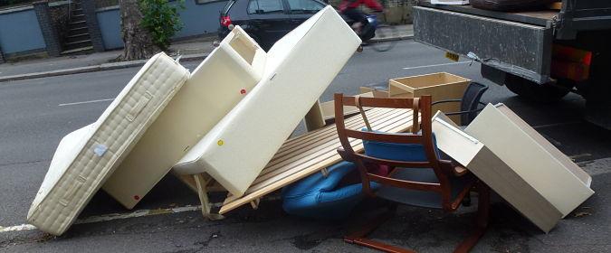 фирма за извозване на стари мебели